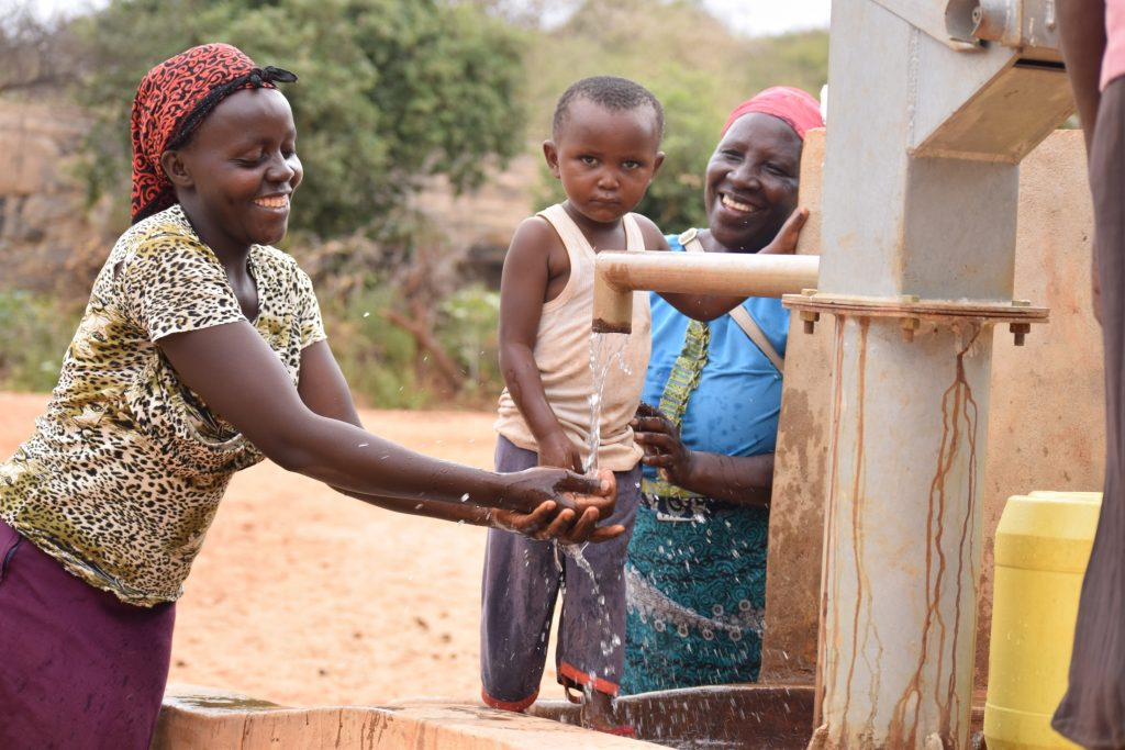 The Water Project : kenya4860-smiles-for-water