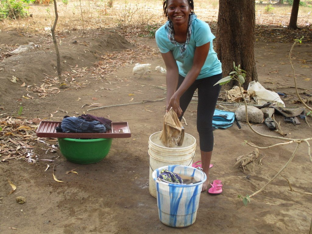 The Water Project : sierraleone19258-doing-laundry
