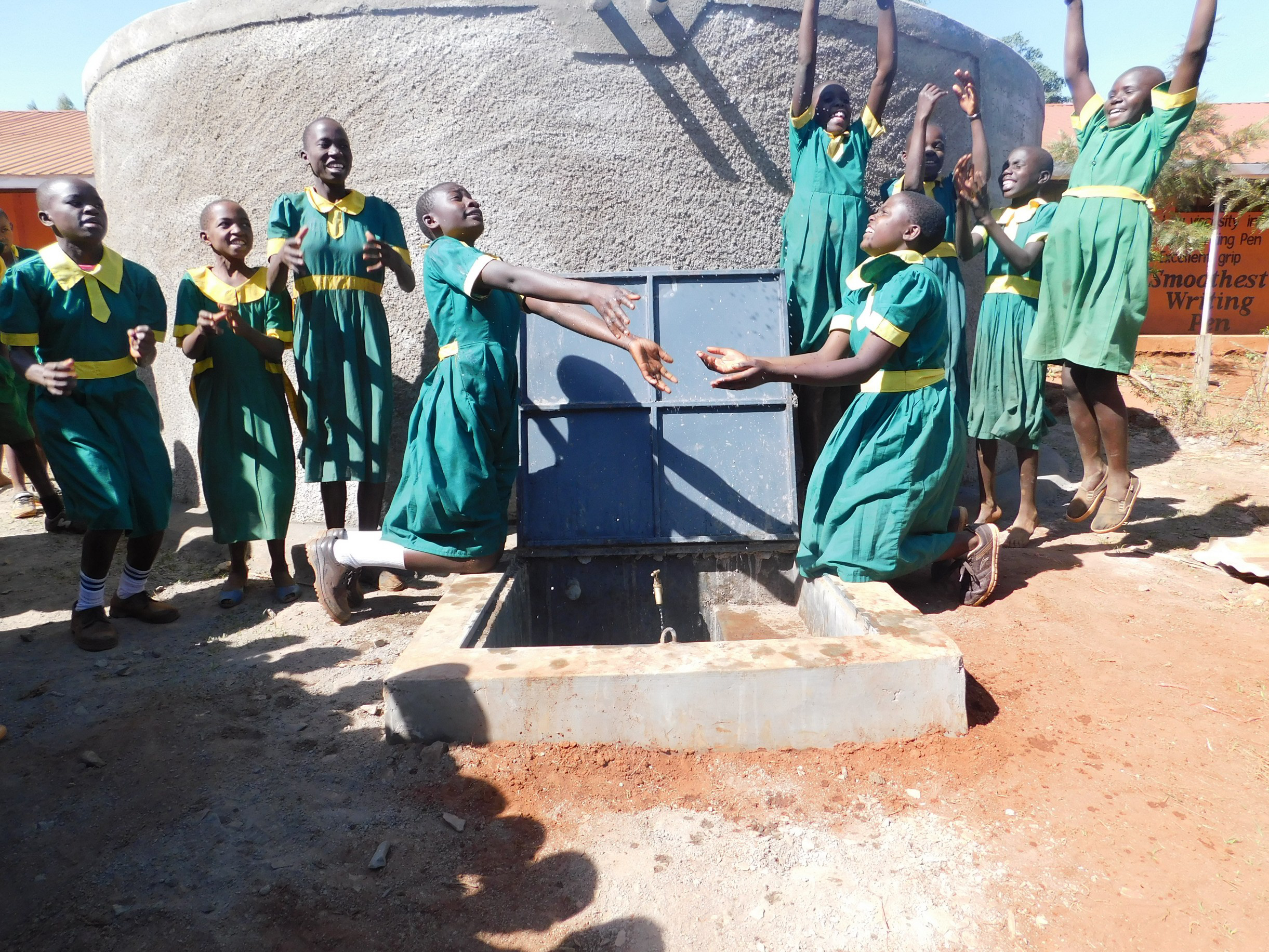 The Water Project : 37-kenya19006-flowing-water
