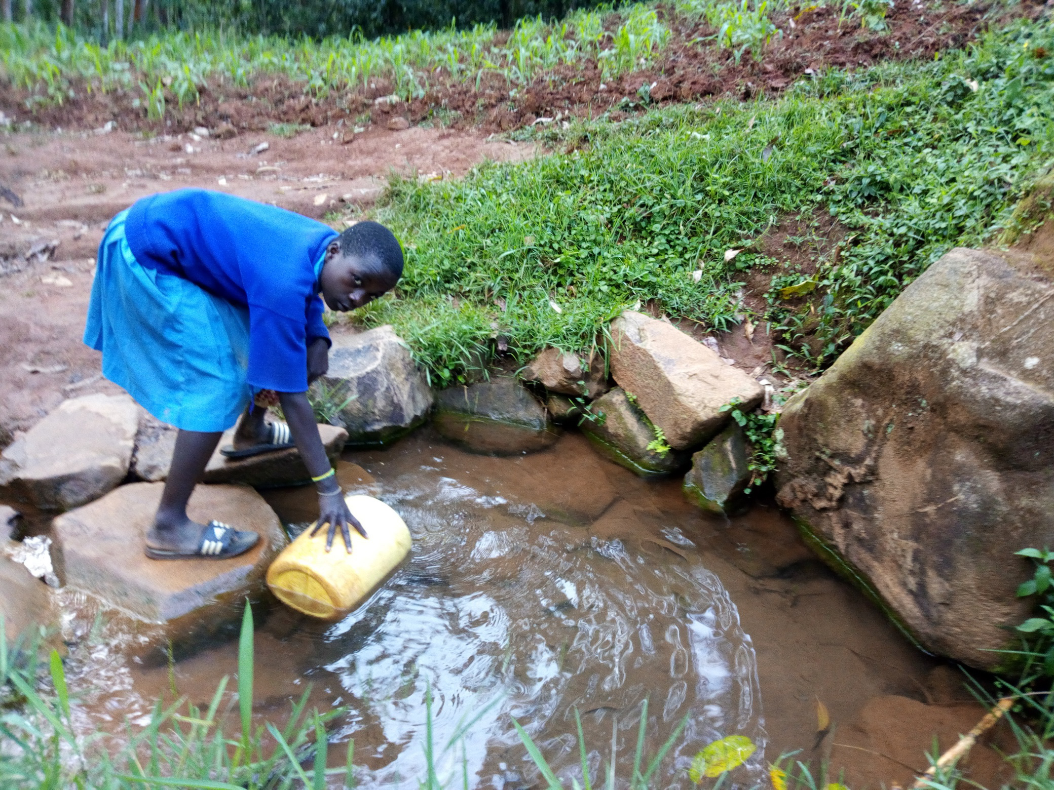 The Water Project : 7-kenya19165-fetching-water