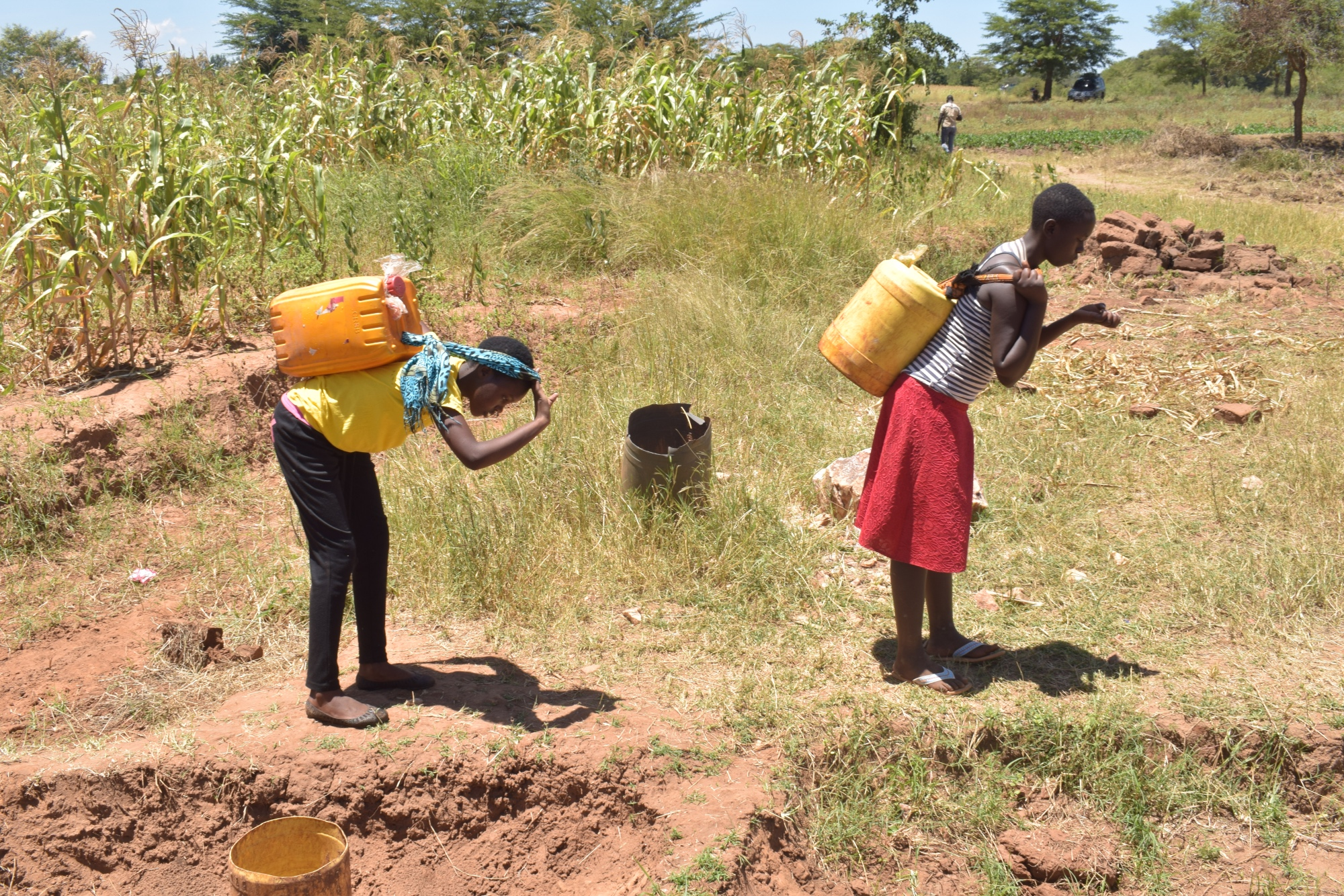 The Water Project : kenya19201-carrying-water-2