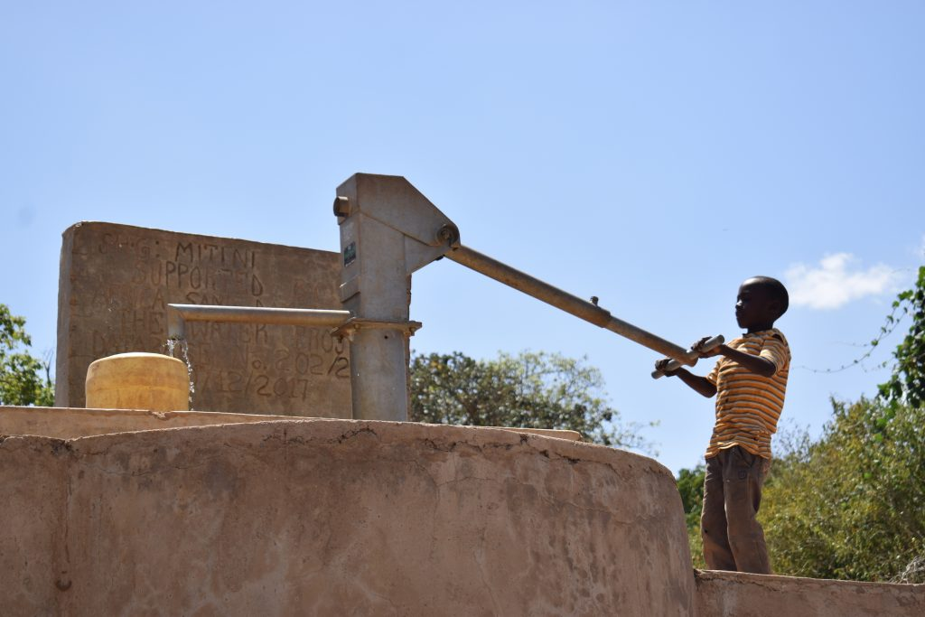 The Water Project : kenya4861-so-easy-a-kid-can-fetch-water