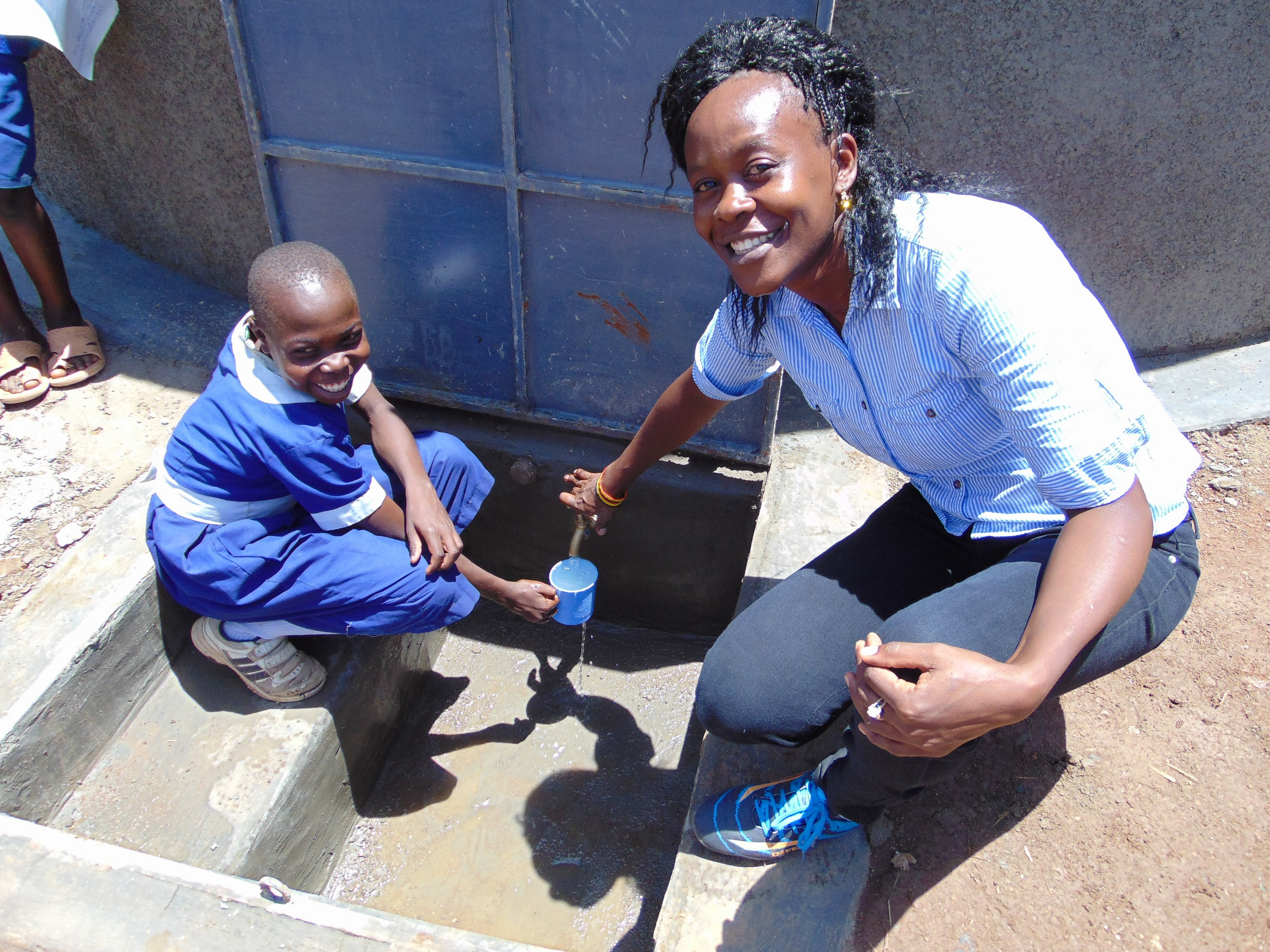 The Water Project : 27-kenya19013-water-flowing