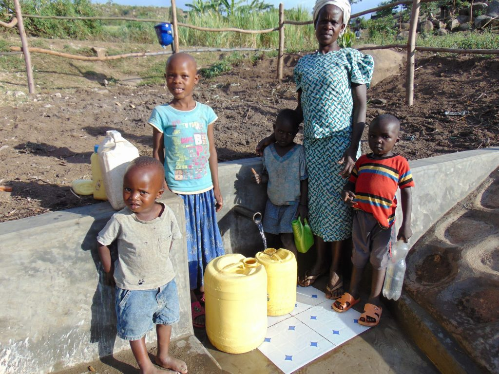 The Water Project : 34-kenya19112-flowing-water