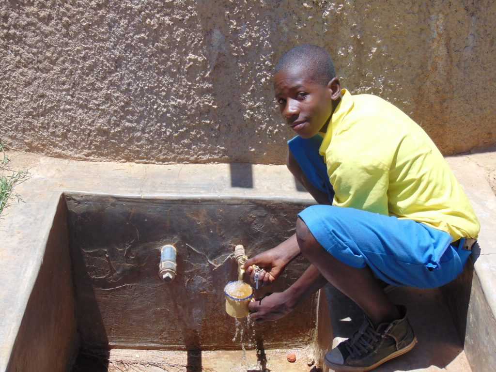 The Water Project : kenya18052-clinton-kibisu