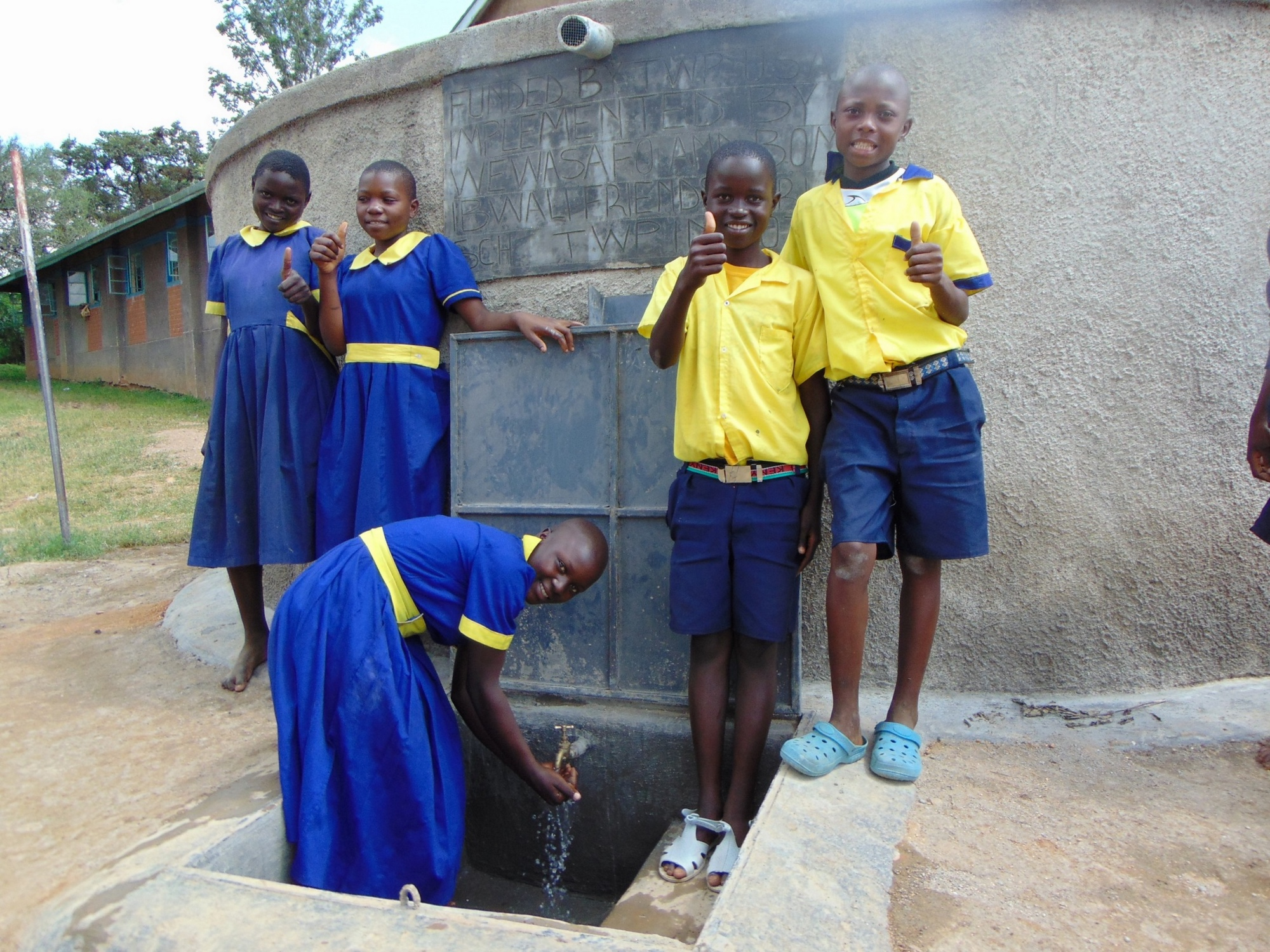 The Water Project : 10-kenya19039-flowing-fresh-water