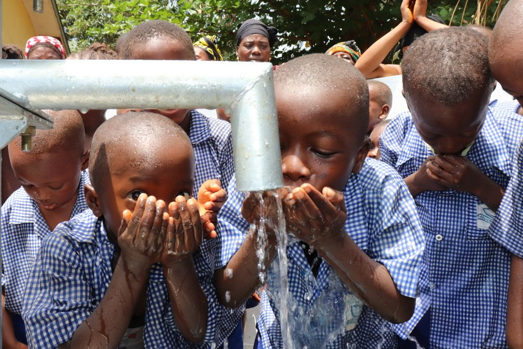 The Water Project : sierraleone19255-dedication-5