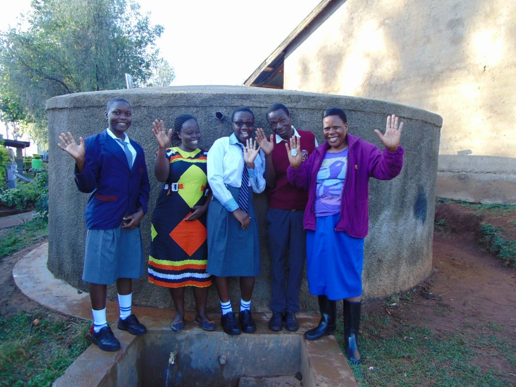 The Water Project : 1-kenya18053-happy-days