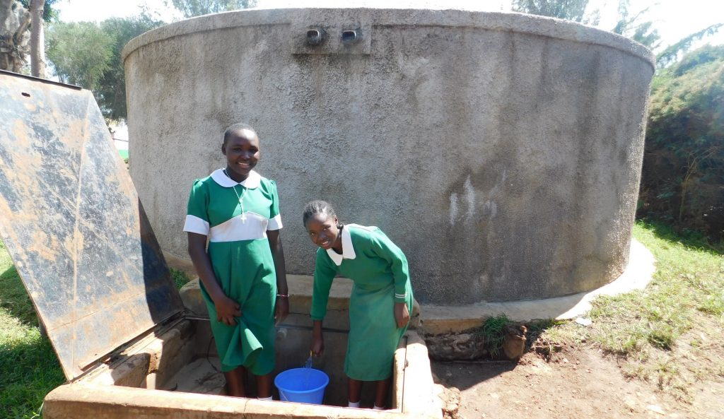 The Water Project : 2-kenya18027-mercy-right-fetching-water