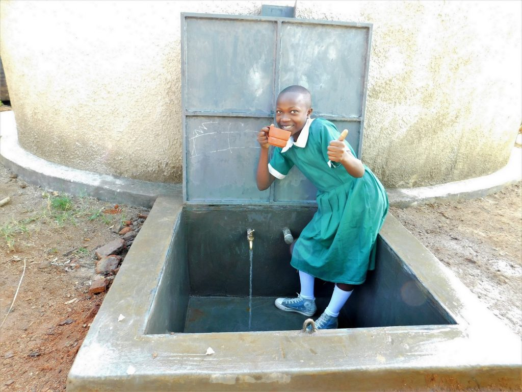 The Water Project : 34-kenya19038-flowing-water