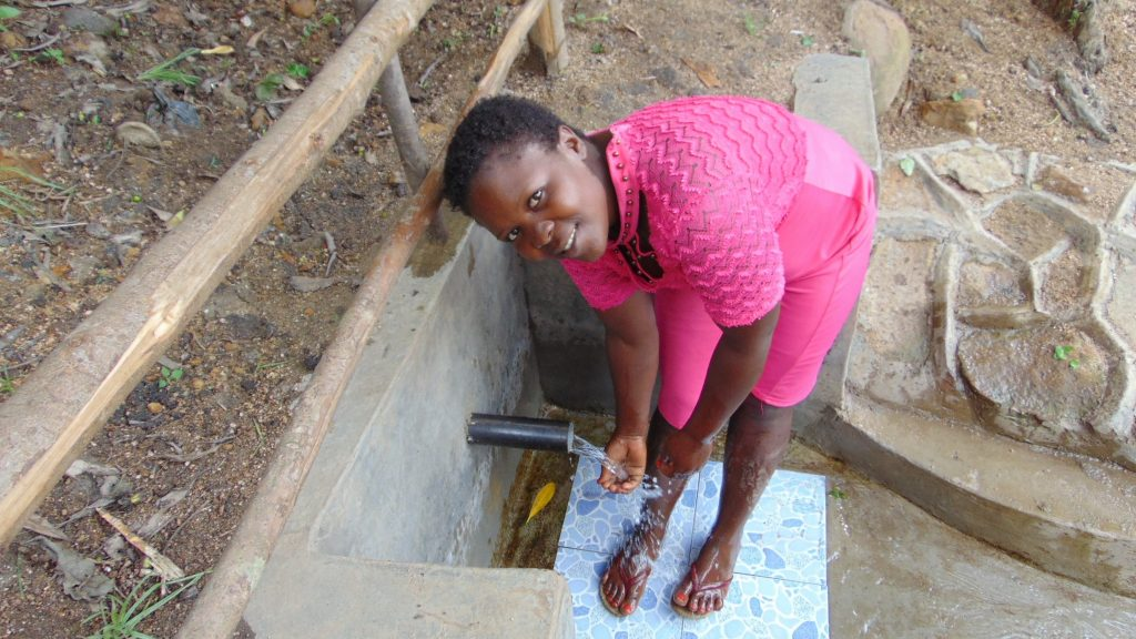 The Water Project : 4-kenya19120-cooling-down