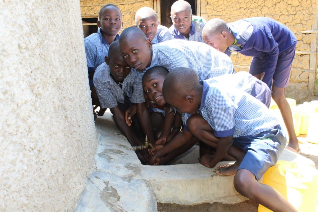 The Water Project : 7-kenya18025-get-in-here