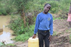 The Water Project:  Asdf_kianguni Shgir_person Carrying Water