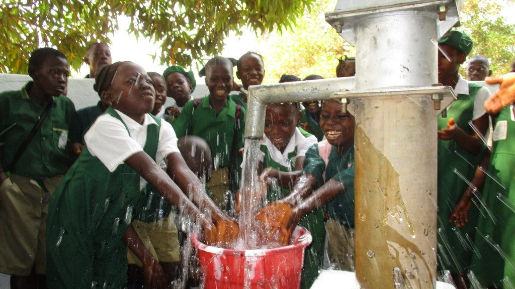 The Water Project : sierraleone19266-reliable-water