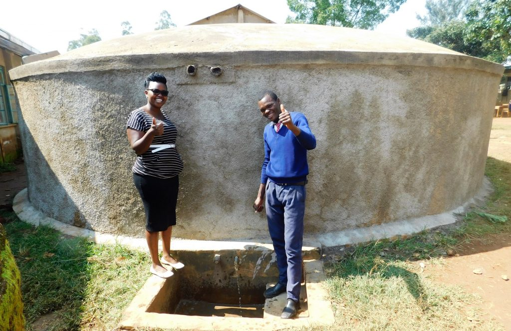 The Water Project : 1-kenya18001-flowing-water