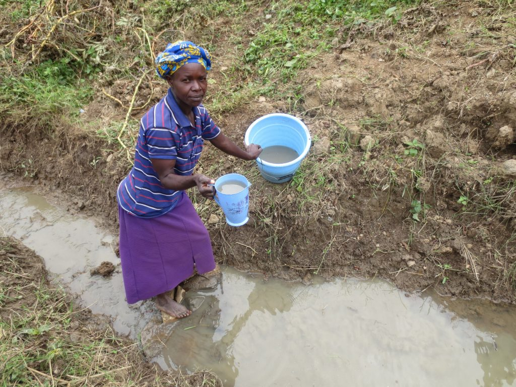 The Water Project : 1-kenya19124-fetching-water