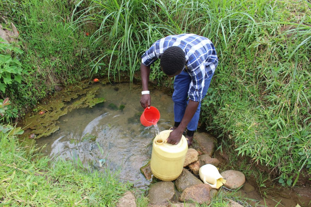 The Water Project : 11-kenya19140-filling-up