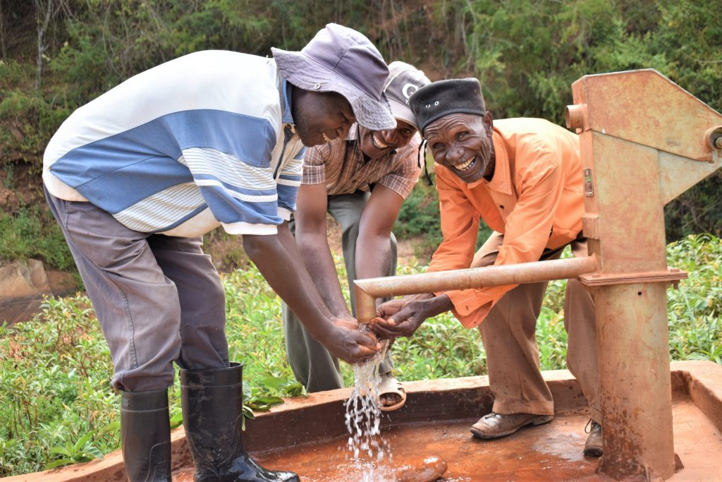 The Water Project : kenya18169-water-from-the-well