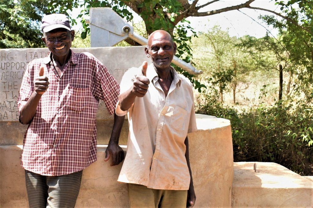 The Water Project : kenya18182-thumbs-up-for-the-well
