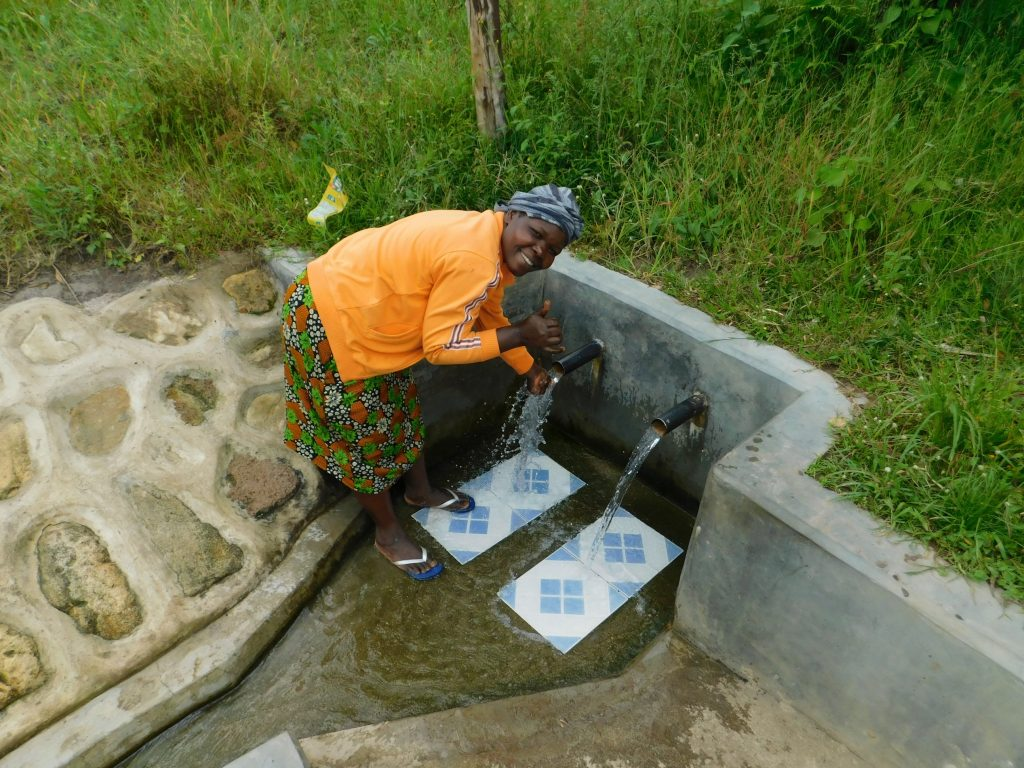 The Water Project : 1-kenya18143-alice-mungasia-at-the-spring
