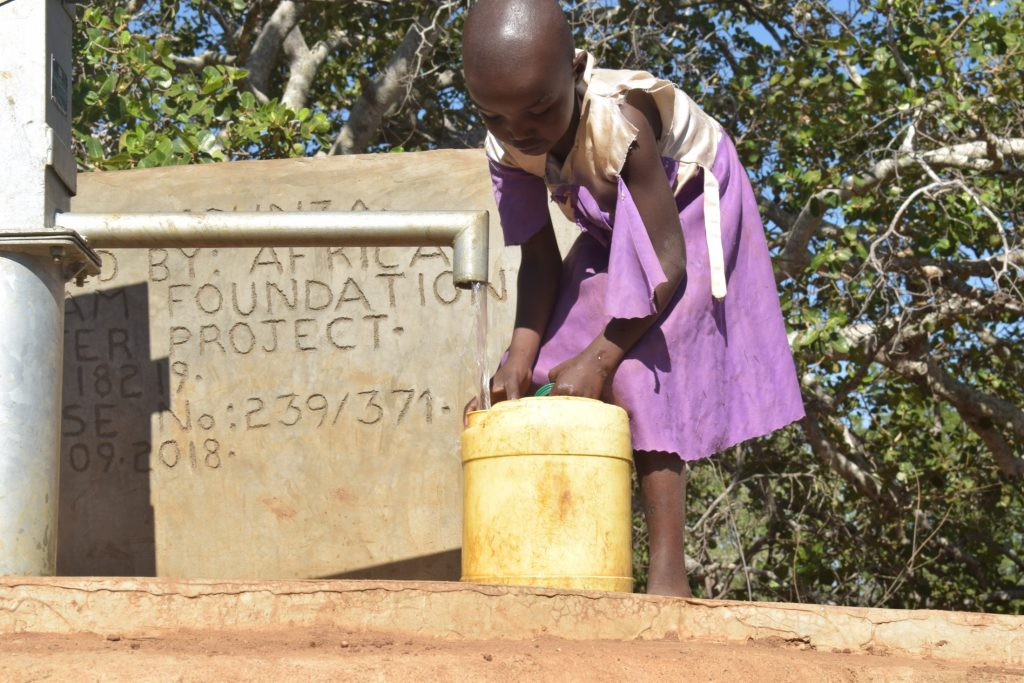 The Water Project : kenya18189-water