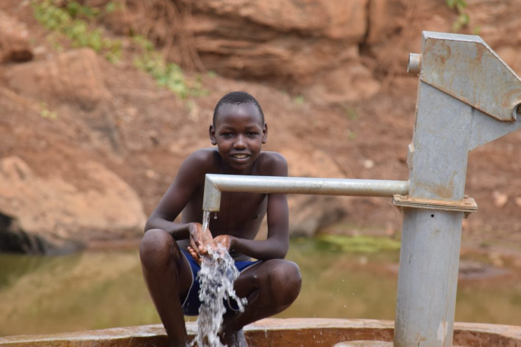 The Water Project : kenyua18195-water