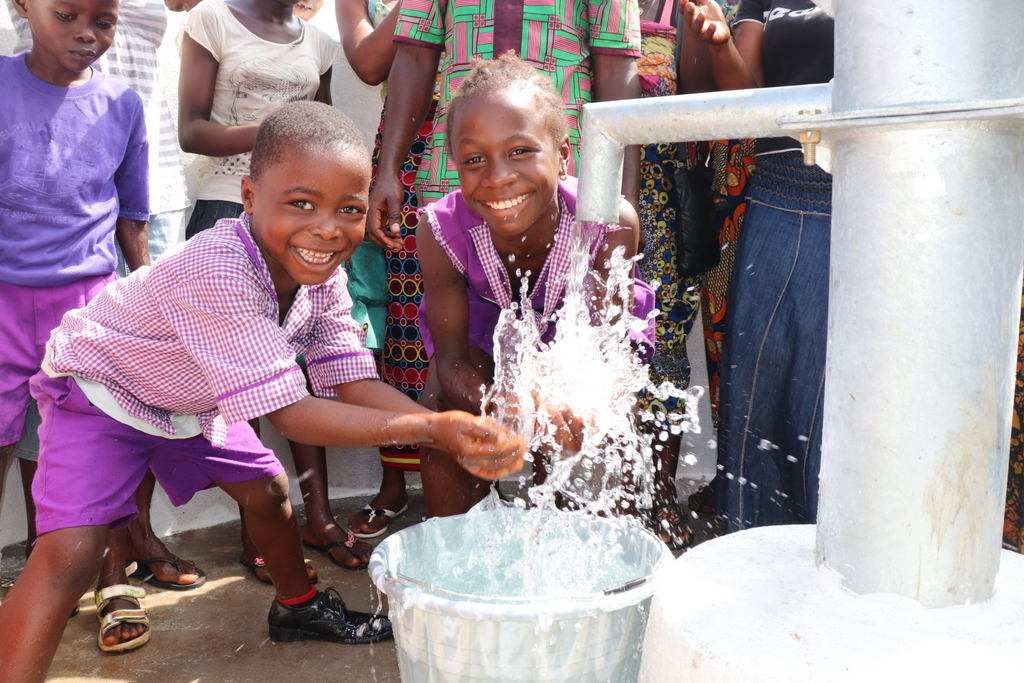 The Water Project : sierraleone19257-kids-celebrate-at-the-well