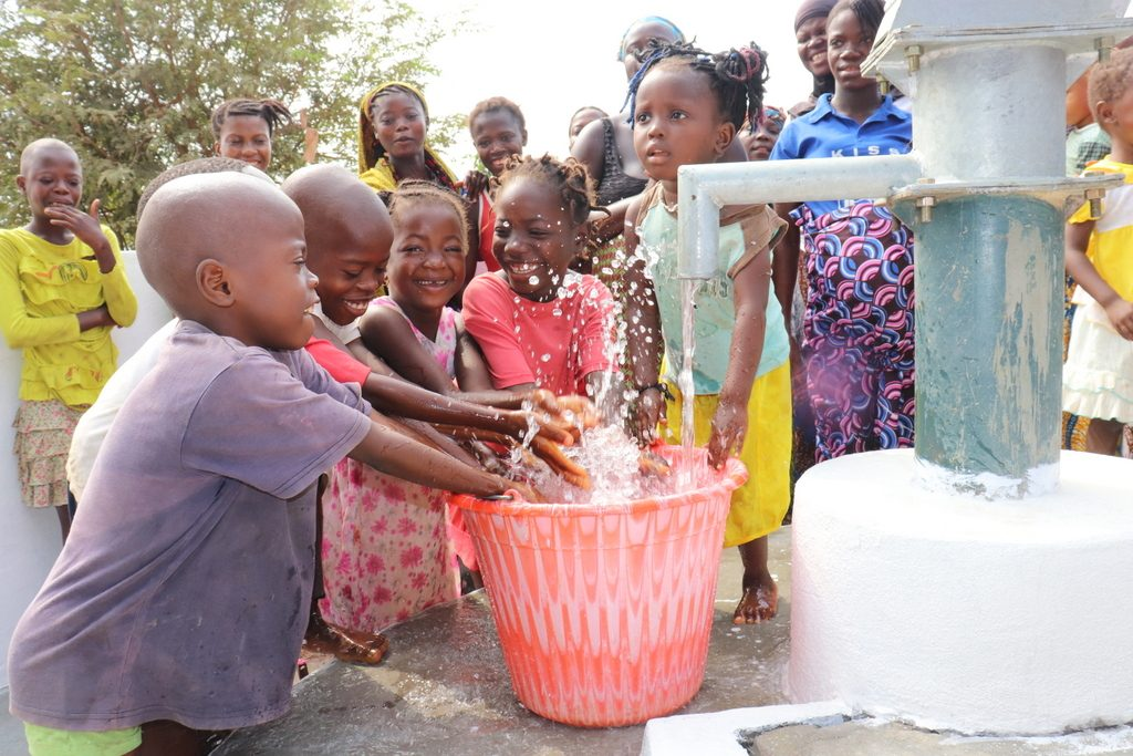The Water Project : sierraleone19274-community-children-playing-with-clean-water