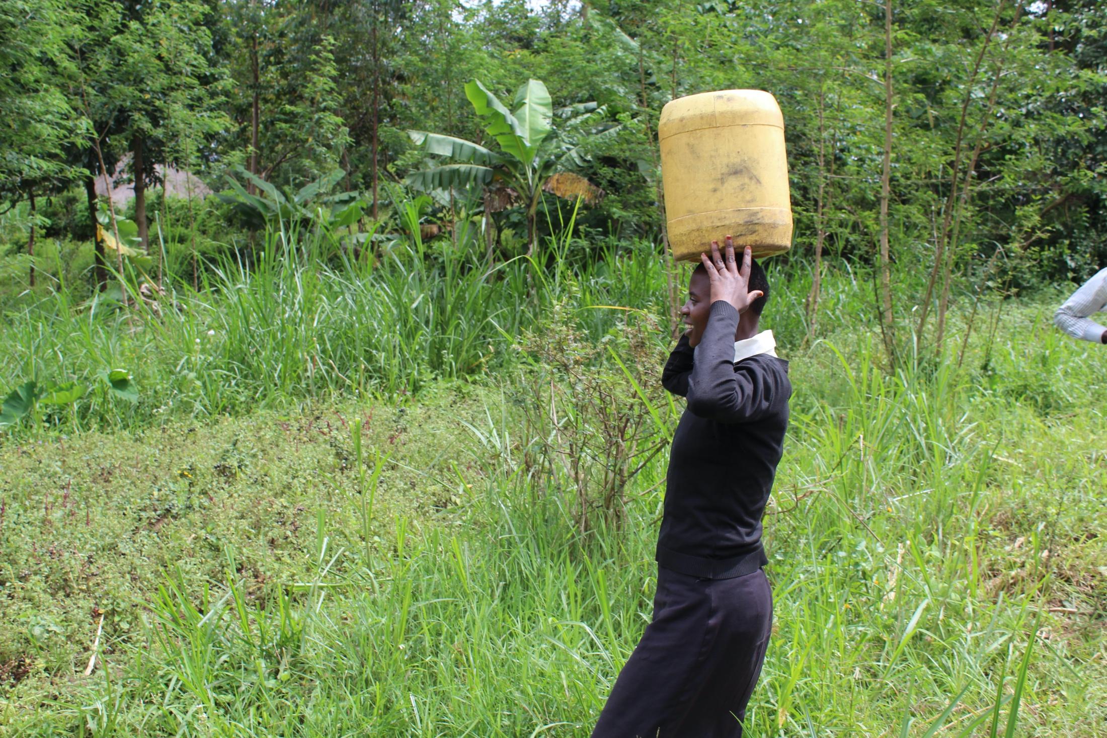The Water Project : 23-kenya20107-balancing-act