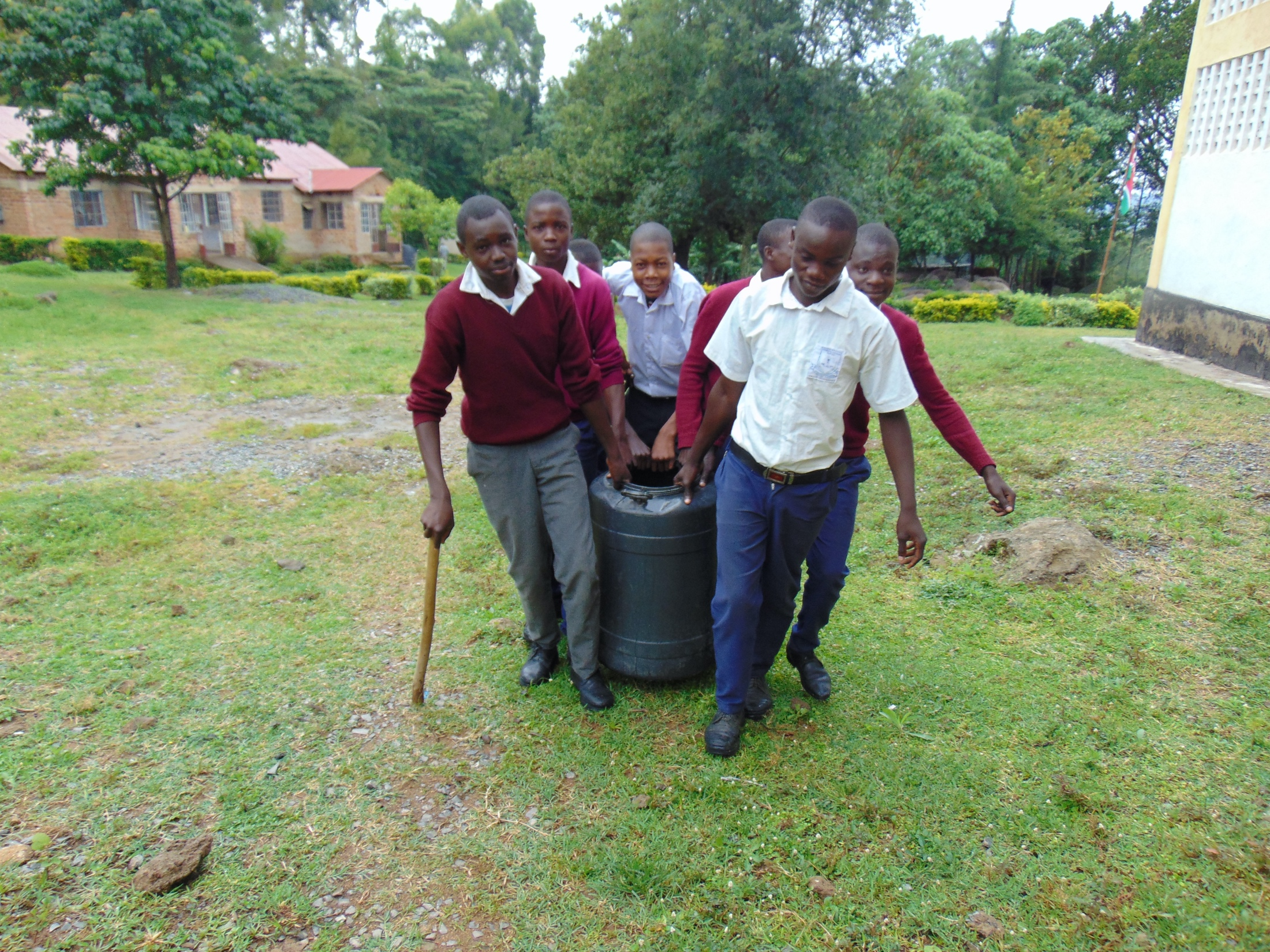 The Water Project : 26-kenya20113-students-carrying-water
