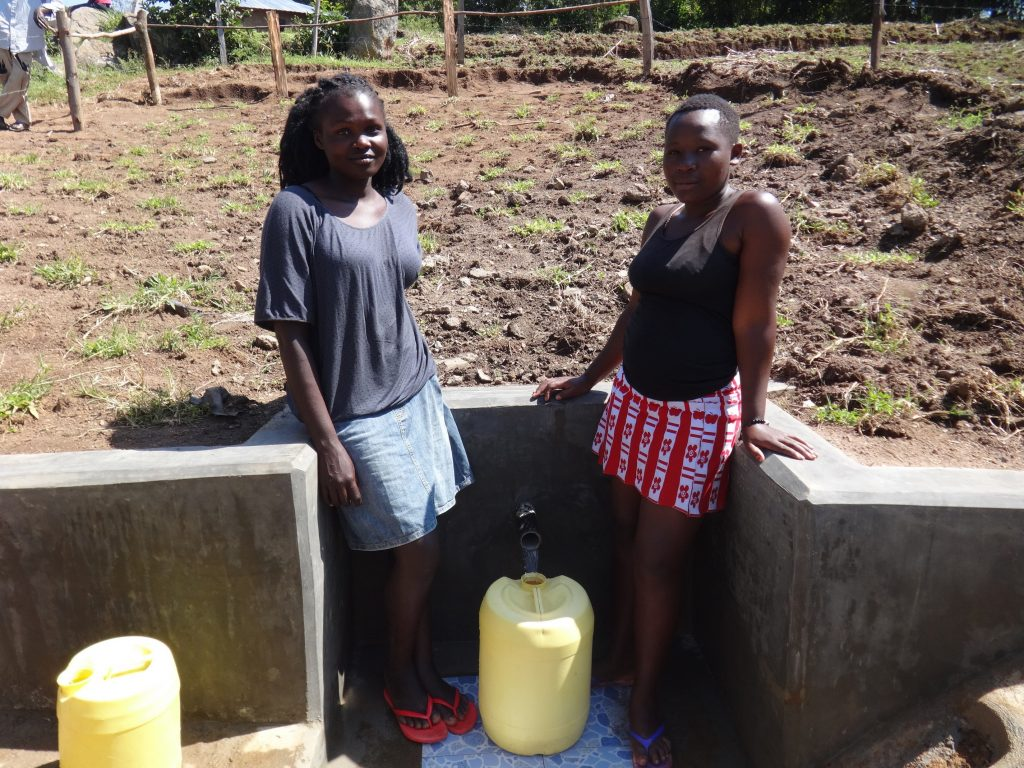 The Water Project : 47-kenya19142-fetching-water