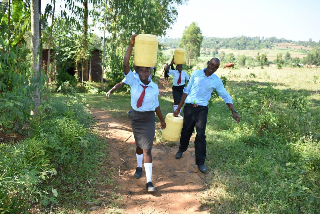 The Water Project : 5-kenya20001-students-carrying-water-2-2