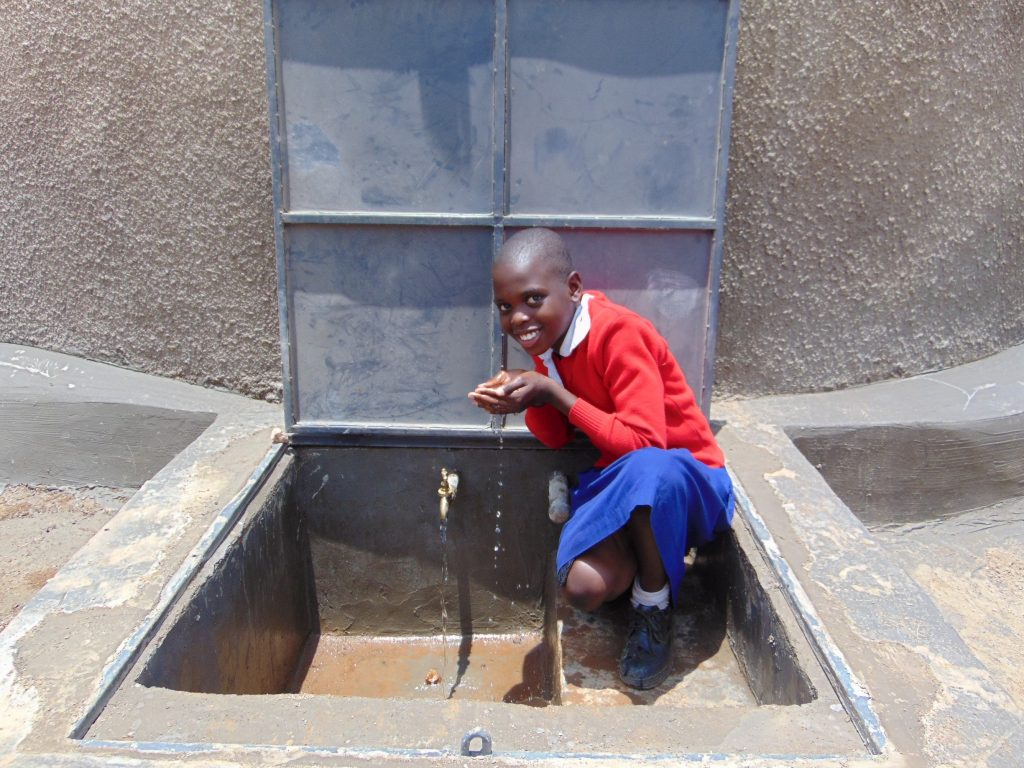 The Water Project : 61-kenya19071-clean-water-to-drink