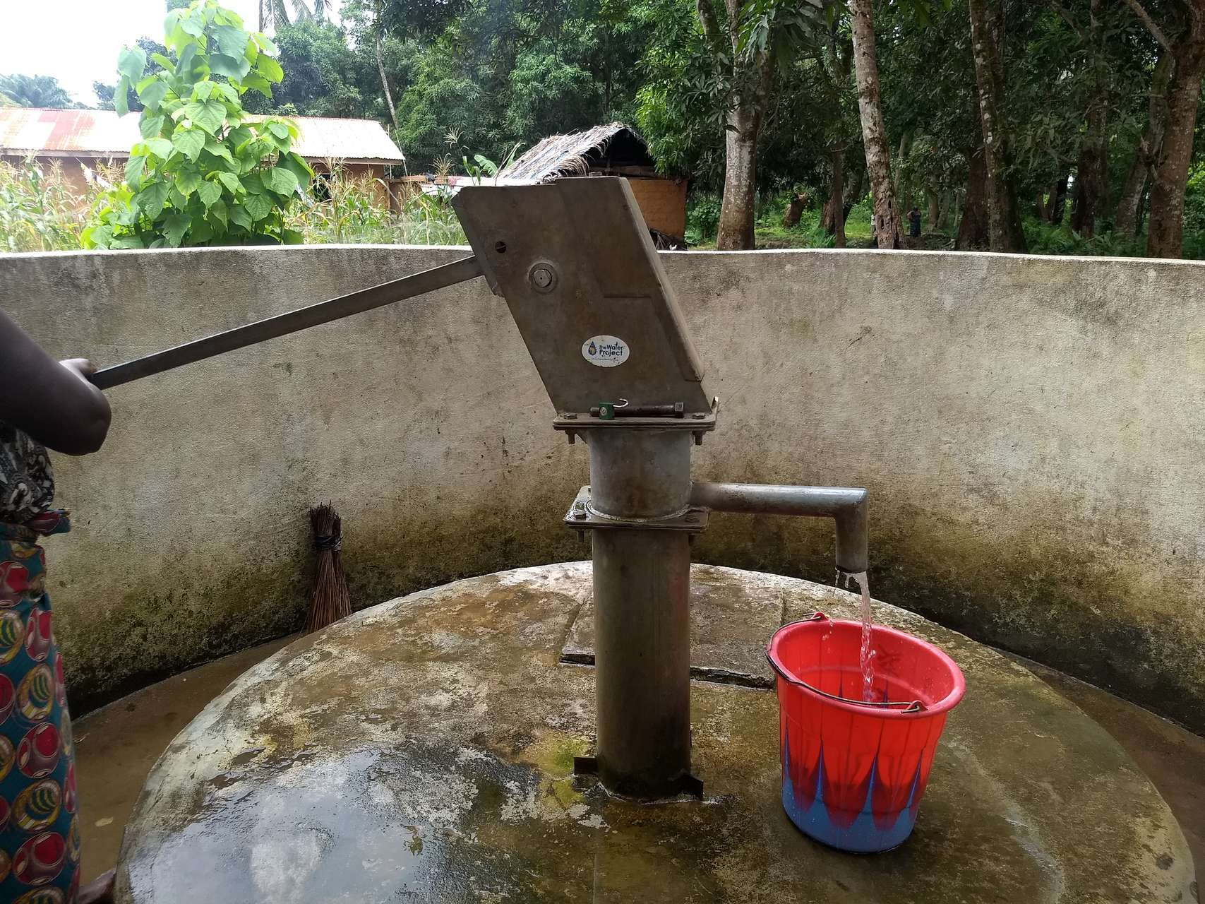 The Water Project : sierraleone18266-well-a-year-later