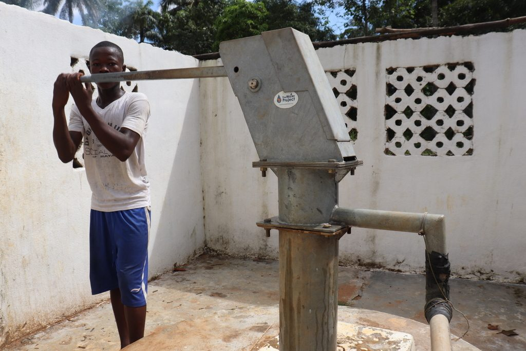 The Water Project : sierraleone18288-pumping-well-a-year-later