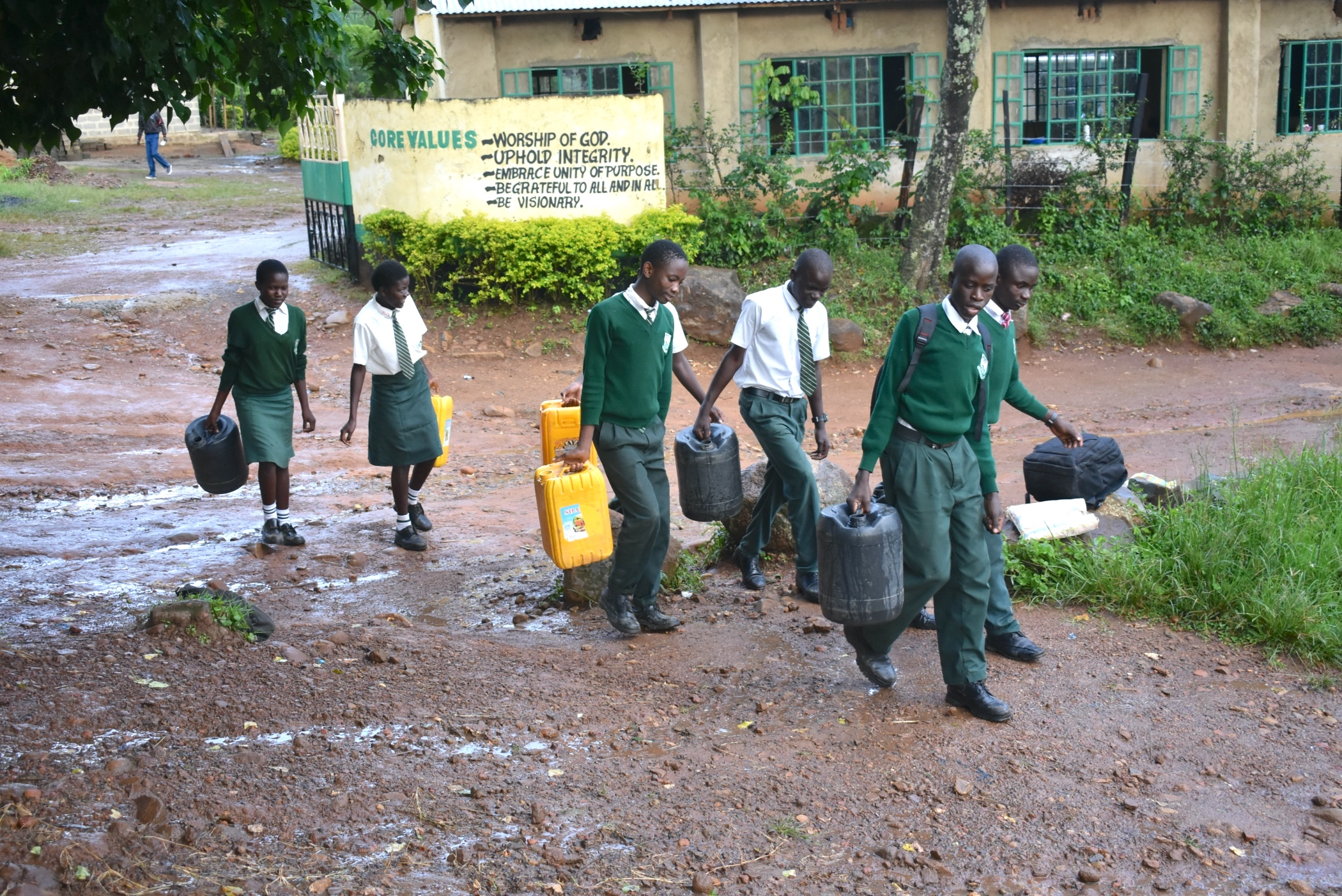 The Water Project : 19-kenya20007-students-carrying-water-2