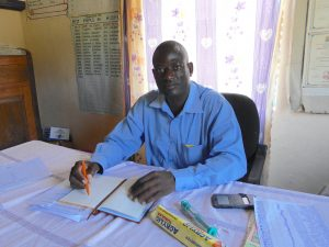 The Water Project:  Head Teacher Isaac Ambuyu