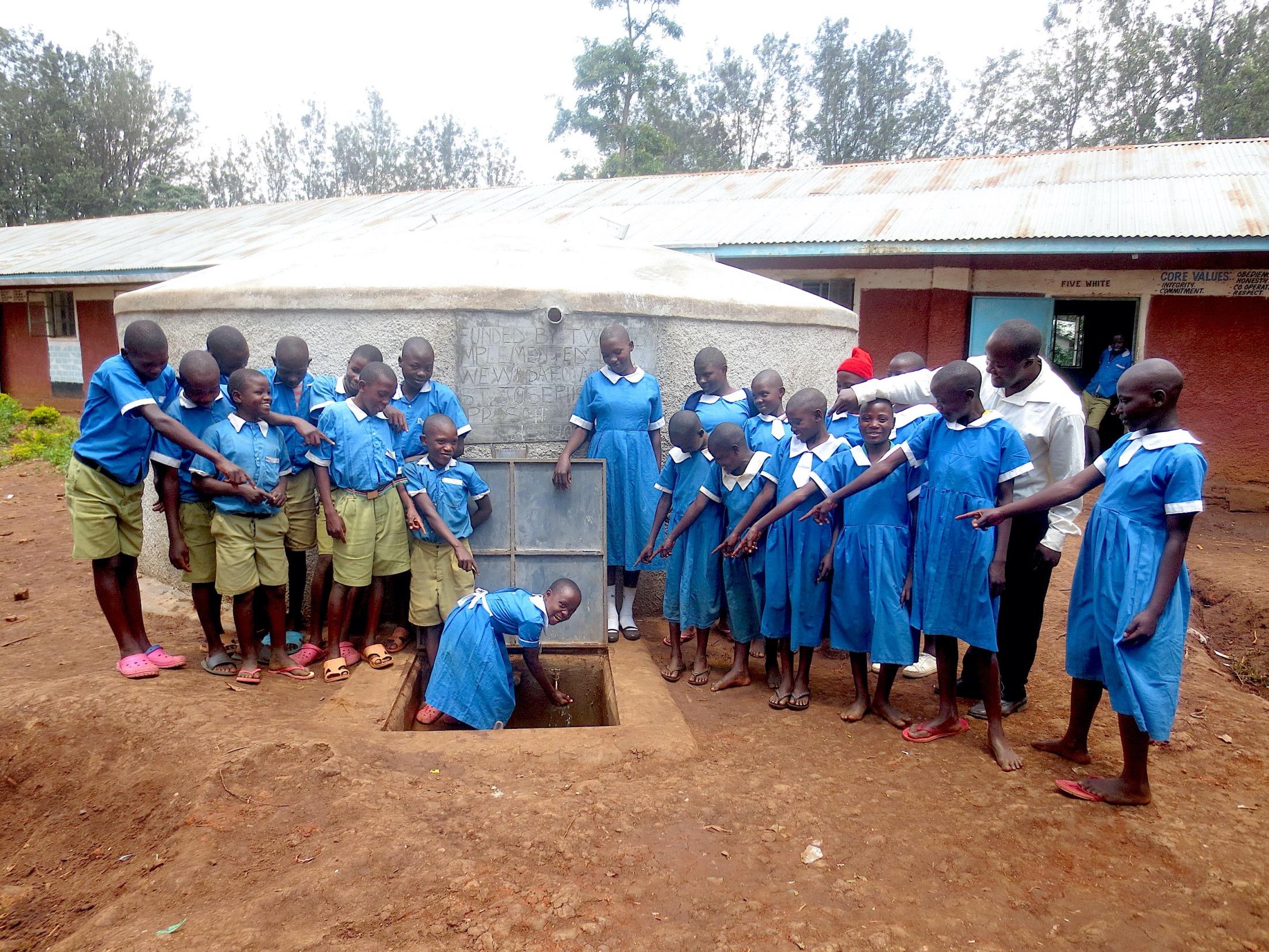 The Water Project : 41-kenya19069-look-flowing-water
