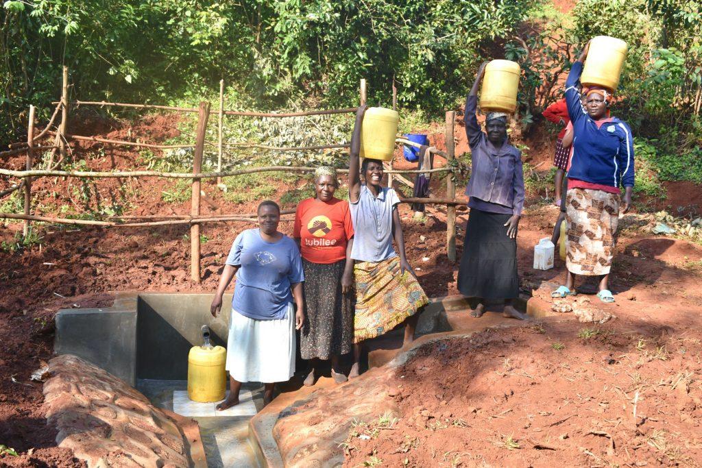 The Water Project : 46-kenya19181-busy-atondola-spring