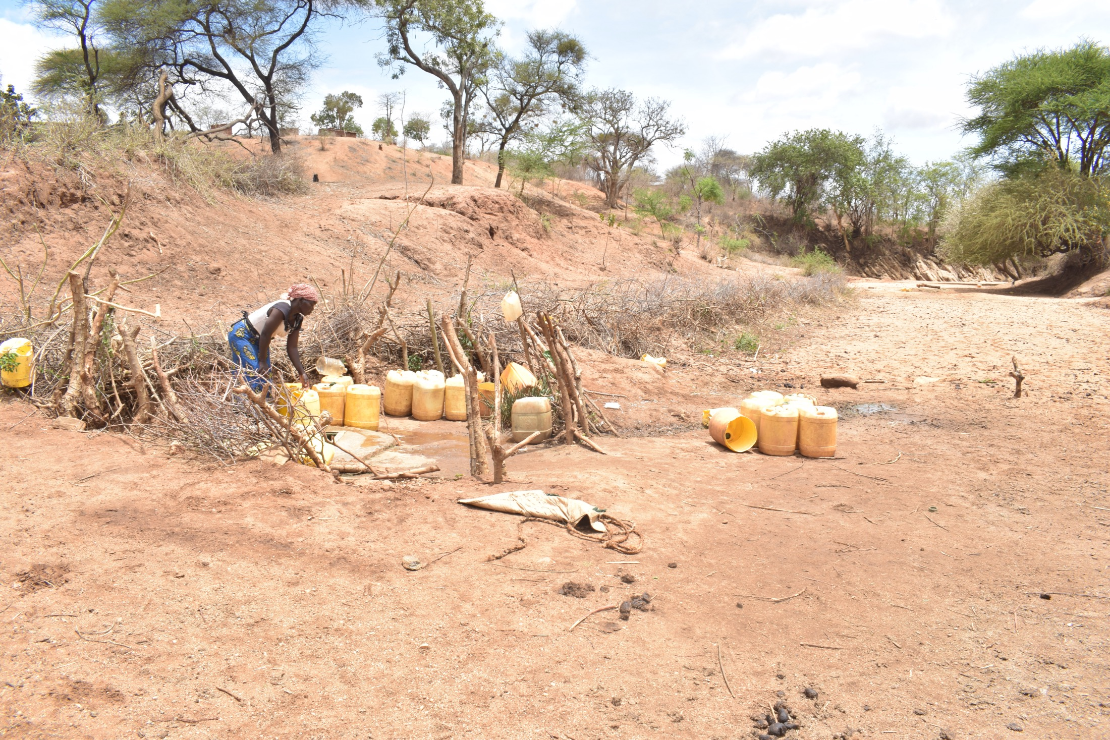 The Water Project : kenya20359-open-well