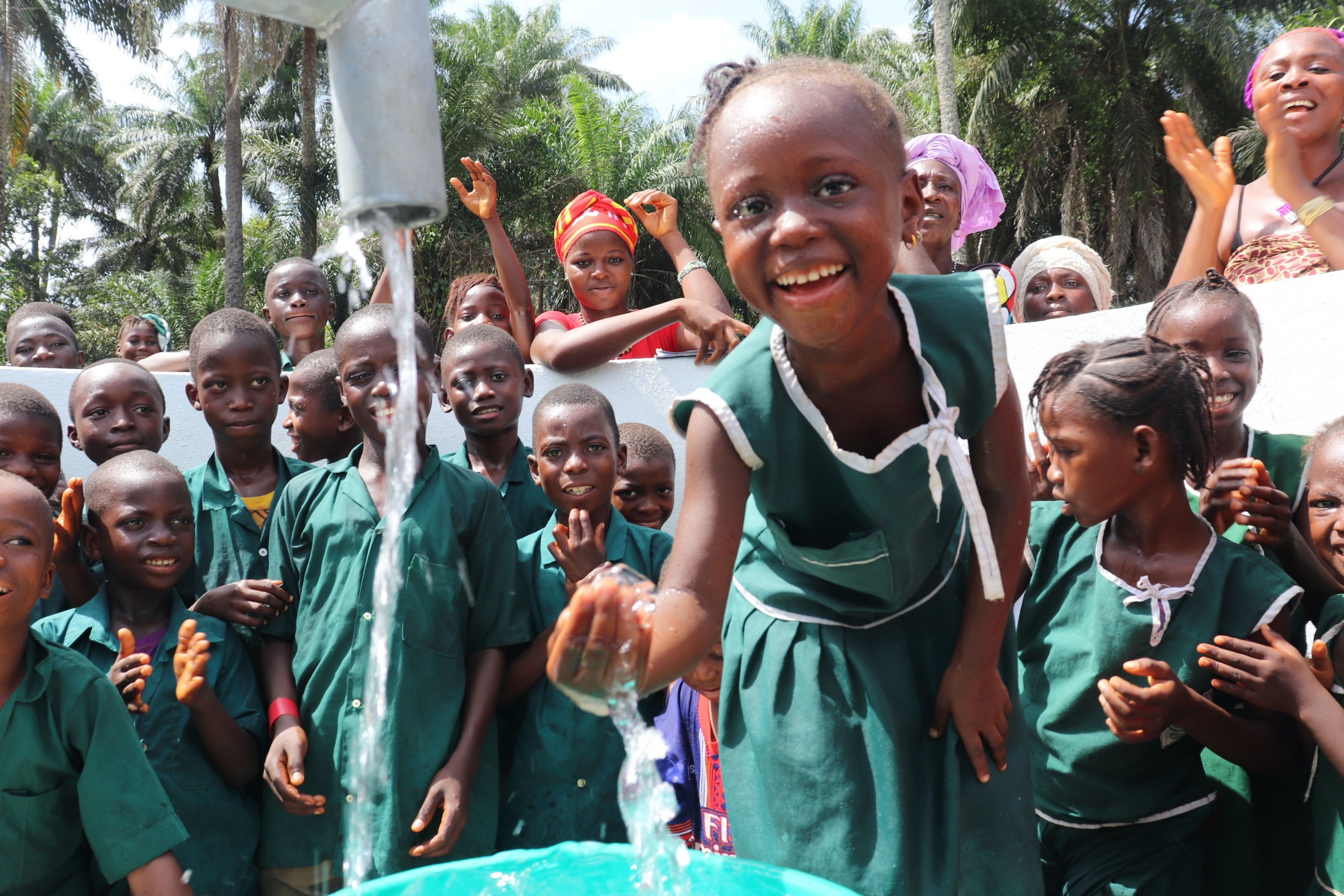 The Water Project : sierraleone19269-students-with-their-new-well