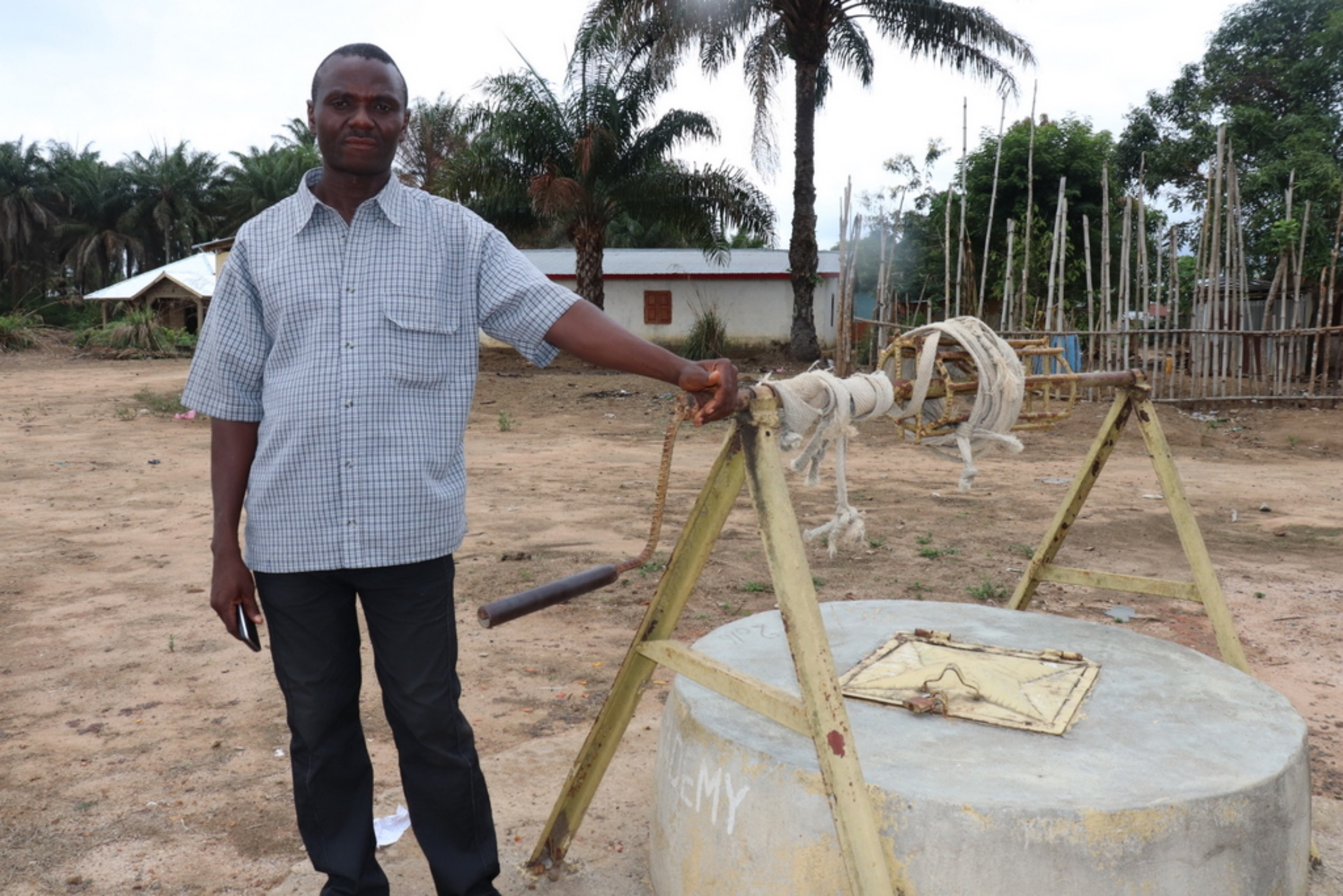 The Water Project : sierraleone20406-school-main-well