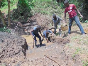 The Water Project:  Community Helps Excavate
