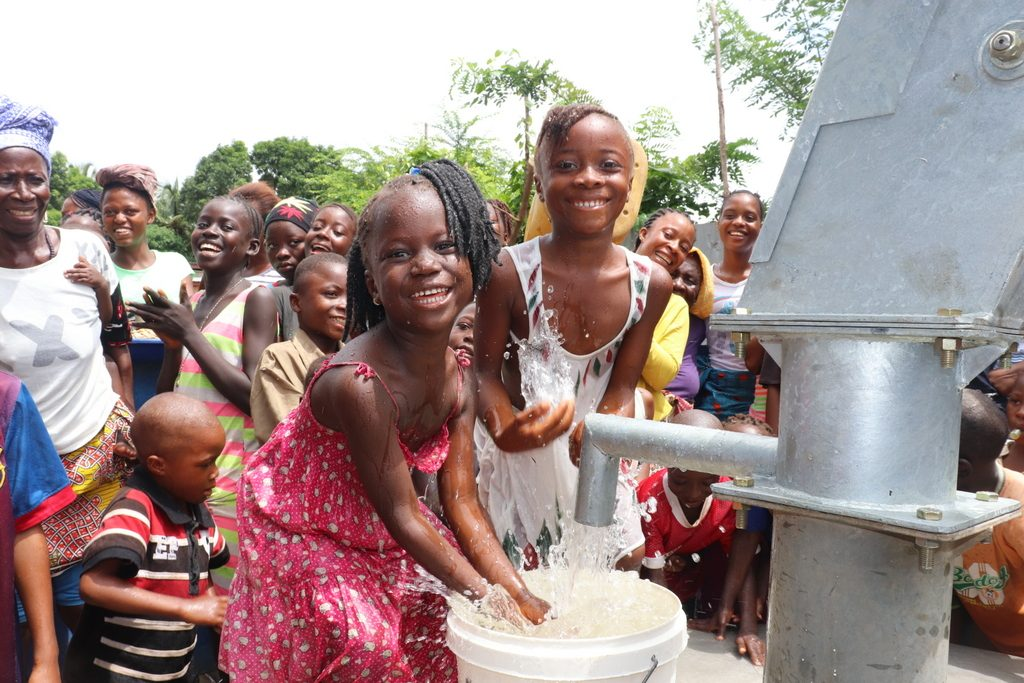 The Water Project : sierraleone19276-children-playing-at-the-well
