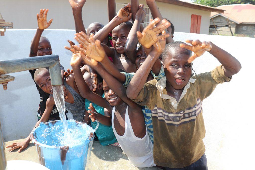 The Water Project : sierraleone19279-kids-celebrate