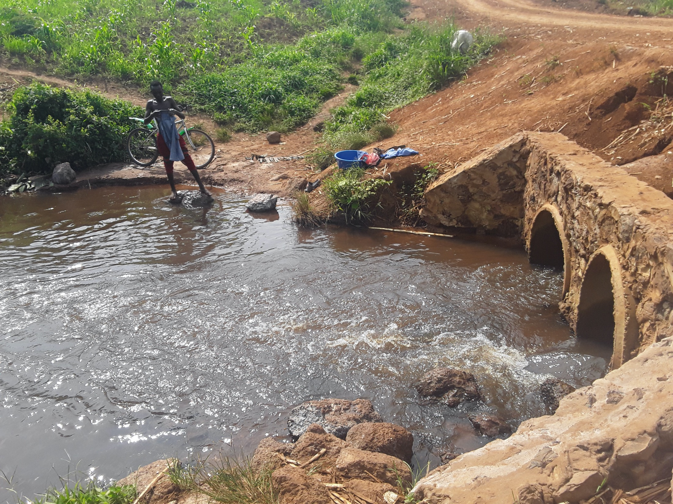 The Water Project : uganda20500-stream