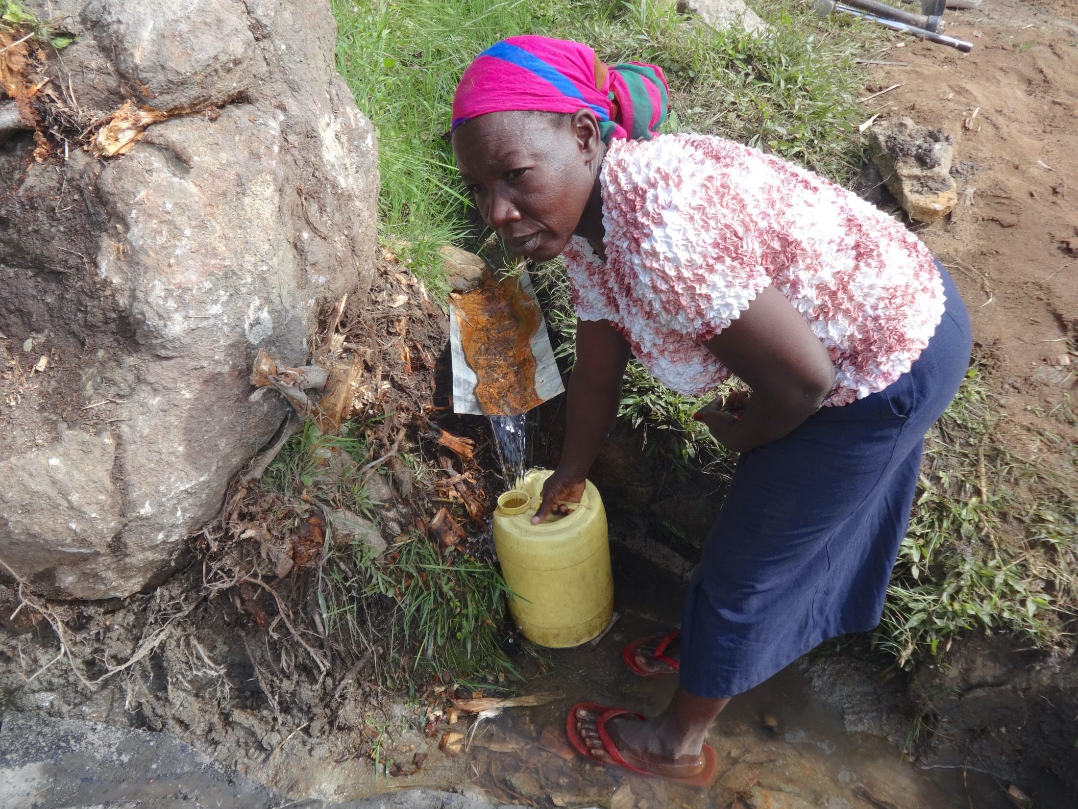 The Water Project : 26-kenya20183-collecting-water-2