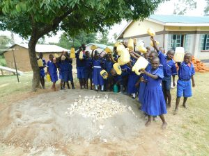 The Water Project:  Students Deliver Water To Work Site