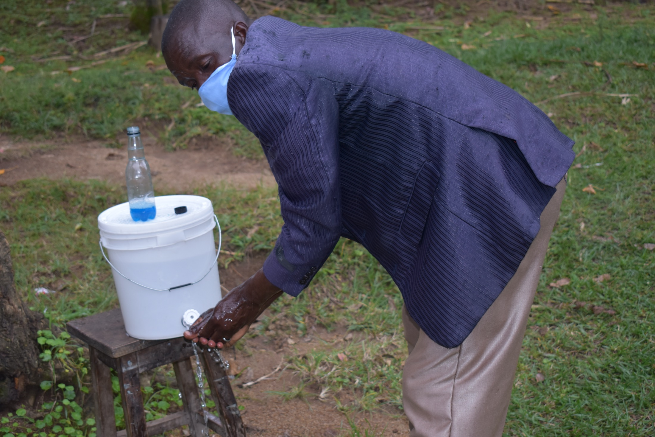 The Water Project : 2-covid19-kenya19093-demonstrating-handwashing