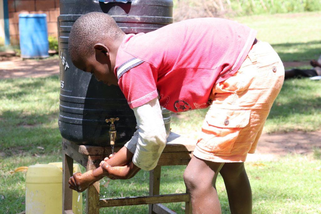 The Water Project : covid19-kenya18151-handwashing
